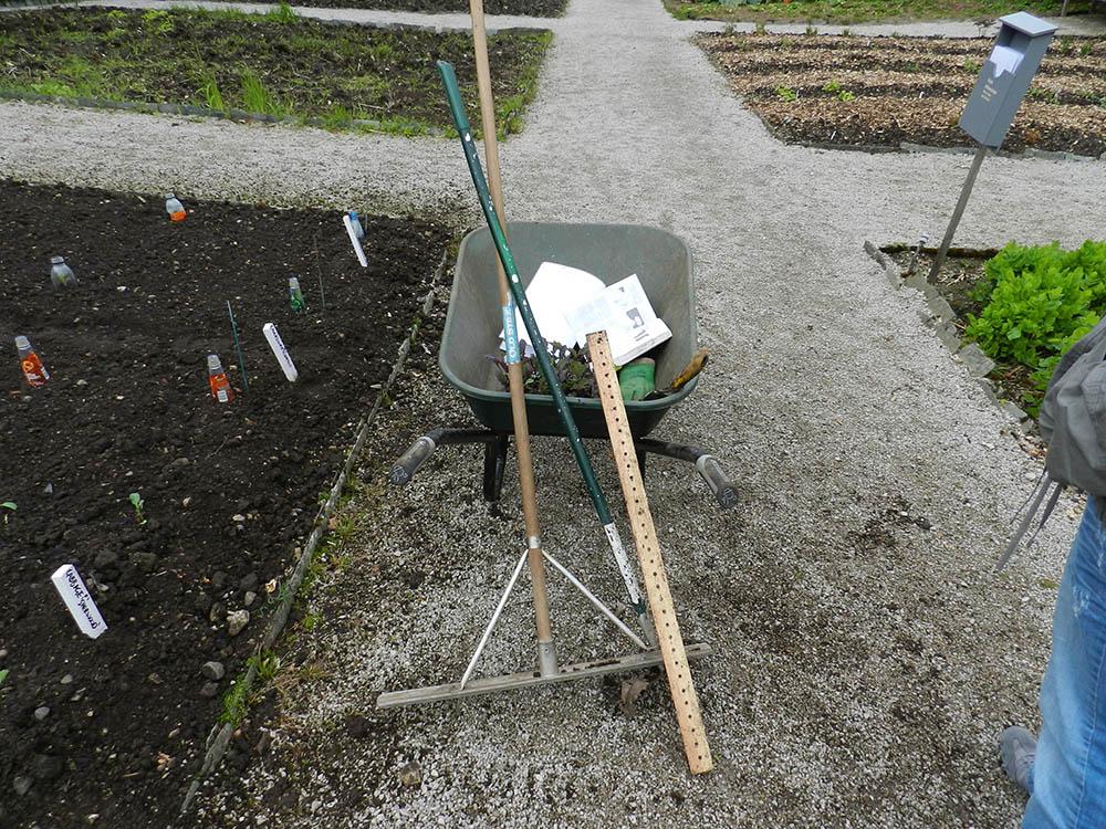 Nödvändiga trädgårdsredskap