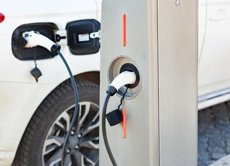 Laddstolpe till din elbil – Är laddstolpar framtiden?